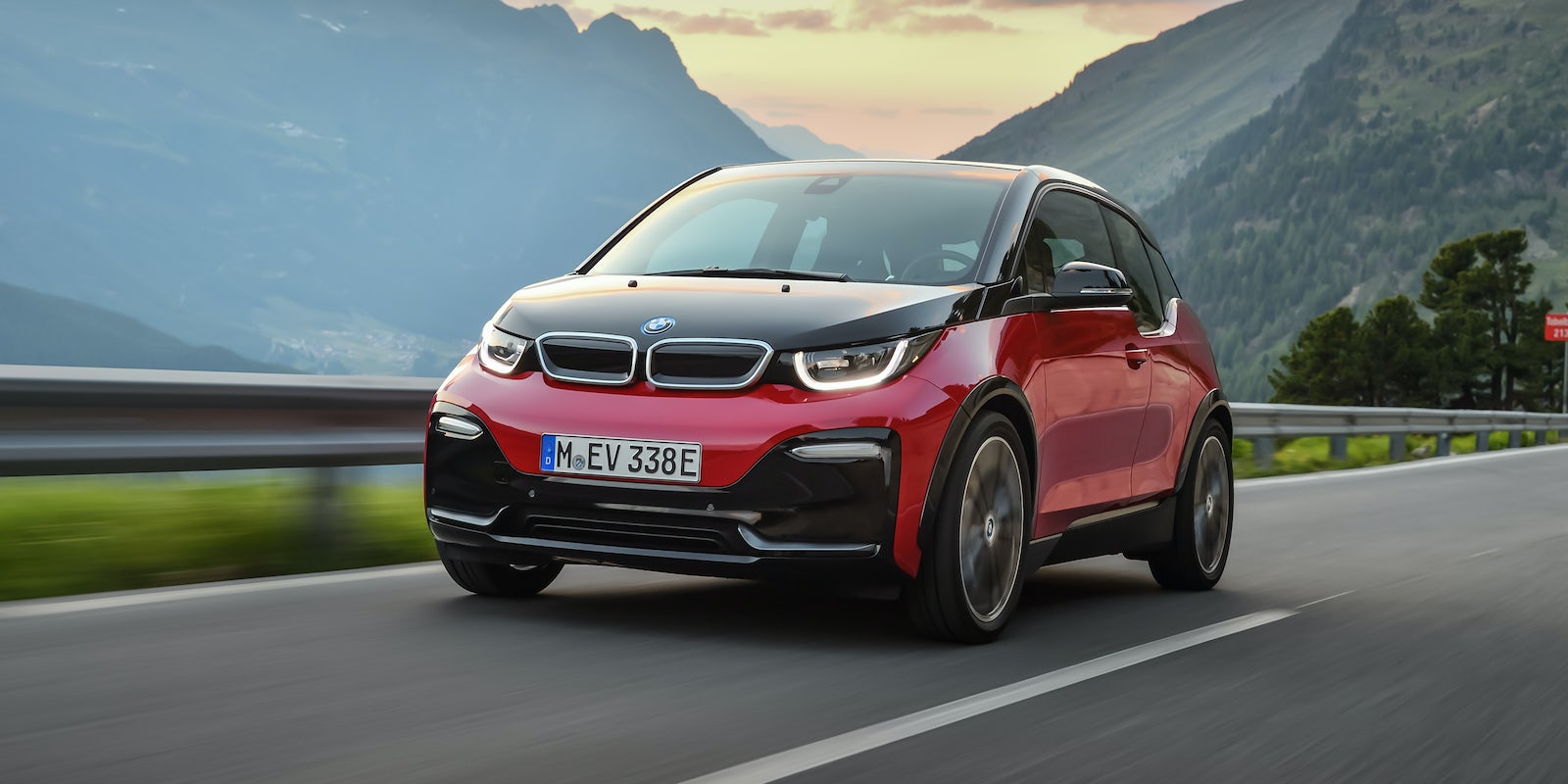 bmw i3 test technische daten preis carwow. Black Bedroom Furniture Sets. Home Design Ideas