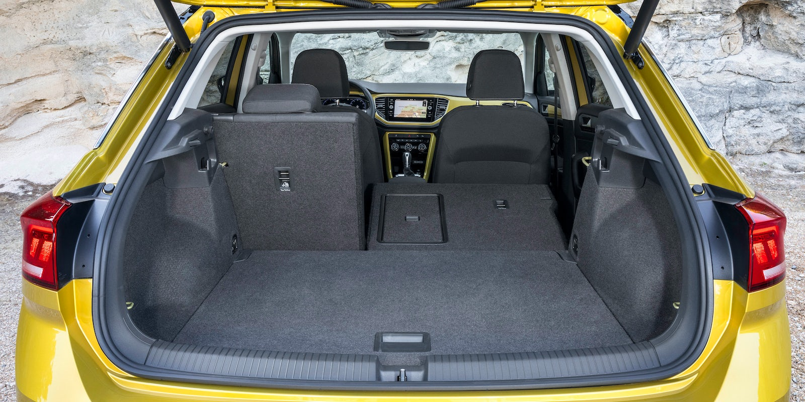 volkswagen t roc im test mit bildern wertung carwow. Black Bedroom Furniture Sets. Home Design Ideas